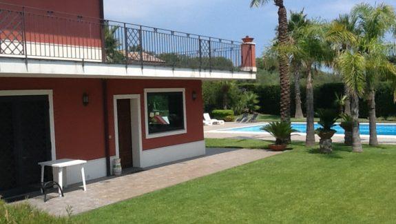 Villa singola in vendita a Viagrande - Catania