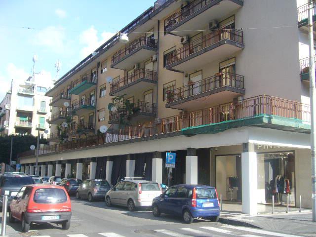 Appartamento trivani arredato in affitto zona corso italia for Contratto di locazione immobile arredato