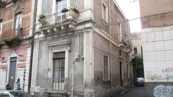 Appartamento indipendente in vendita via Imbriani - Catania