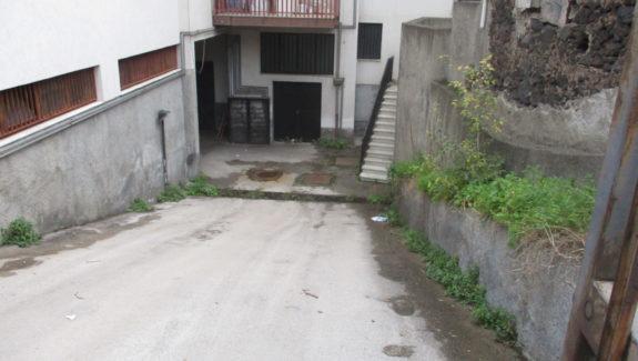 Garage in vendita a Gravina di Catania