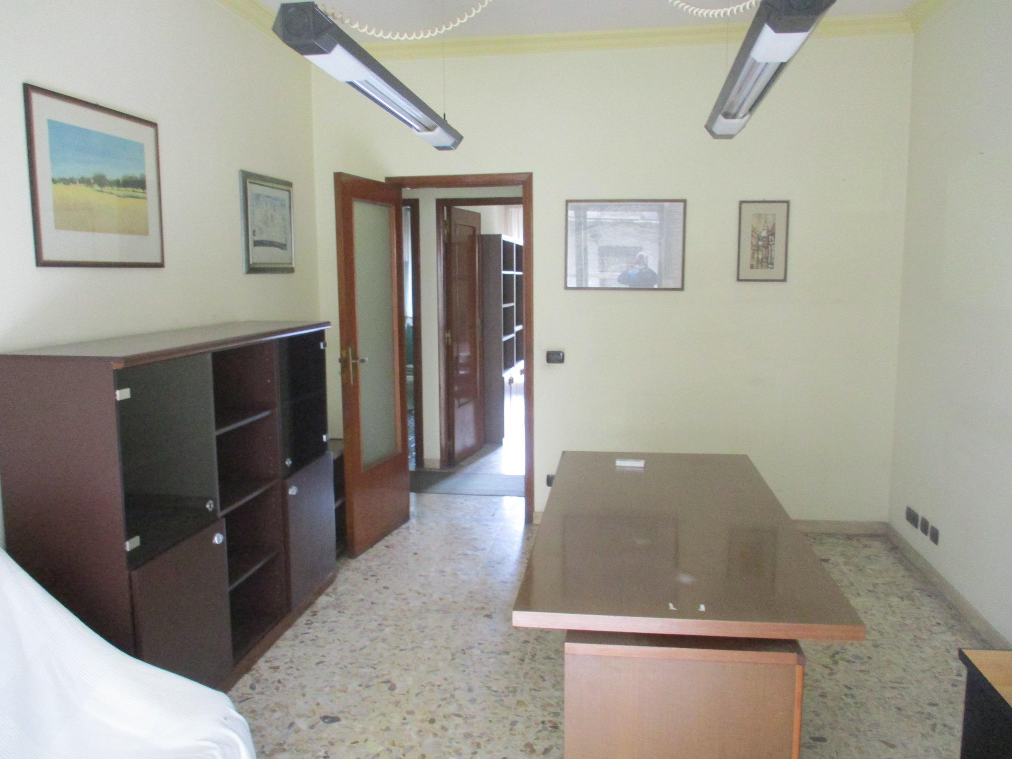 Ufficio in affitto in viale Vittorio Veneto - Catania