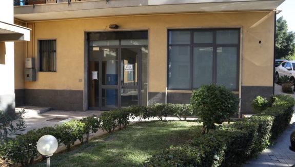 Locale commerciale in vendita a Sant'Agata li Battiati