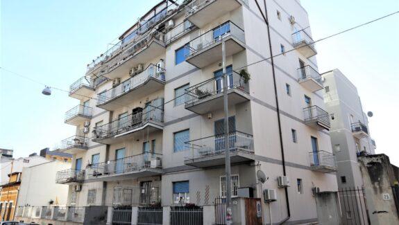 Appartamento in vendita via Bronte - Catania