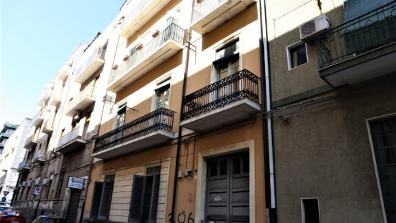 Appartamento in vendita in via Mario Sangiorgi- Catania
